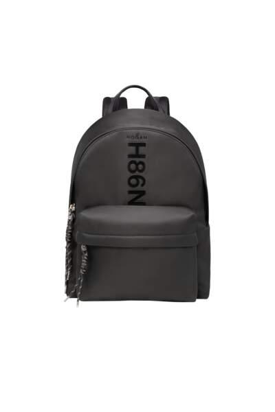 En cuir, 550 €, Hogan.