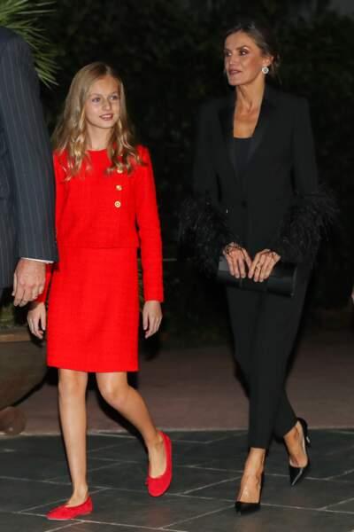 Leonor d'Espagne très chic en tailleur rouge en tweed