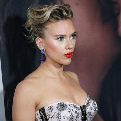 PHOTOS – Scarlett Johansson dévoile un tatouage très impressionnant dans le dos