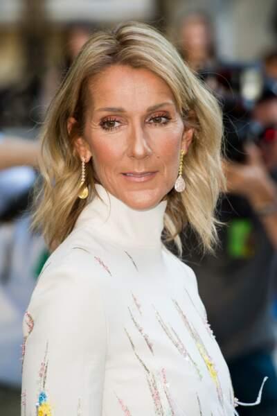 Un blond froid comme Céline Dion et son carré long