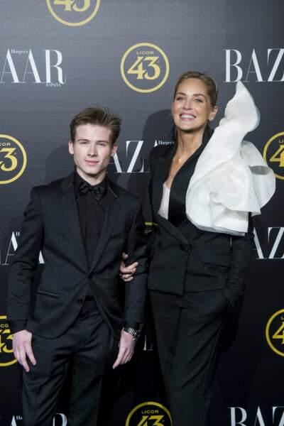 Roan, le fils de Sharon Stone, est aussi beau que sa mère !
