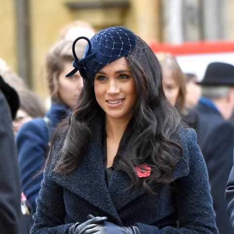 PHOTOS – Meghan Markle recueillie et sobre: malgré l'absence de Camilla, l'épouse de Harry réussit sa première sortie
