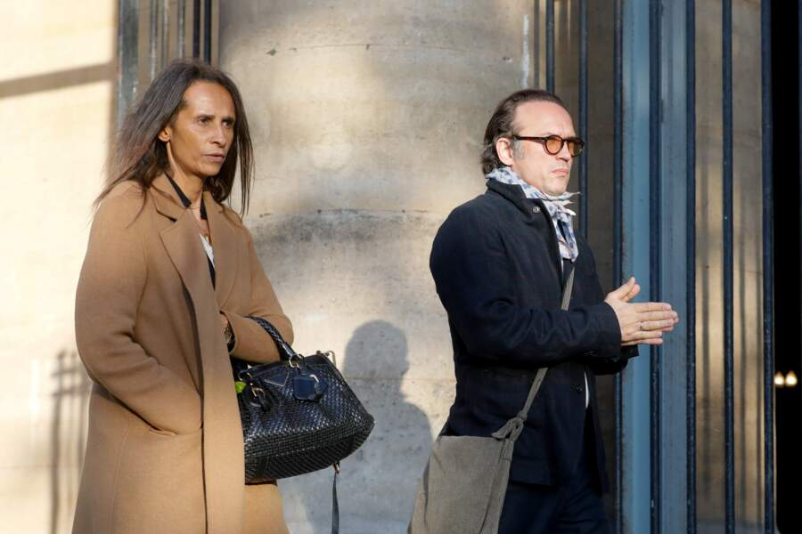 Karine Silla et son mari Vincent Perez aux des obsèques de Marie Laforêt en l'église Saint-Eustache à Paris
