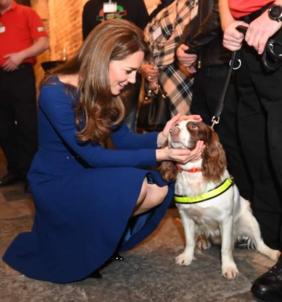 Kate Middleton radieuse avec sa nouvelle couleur de cheveux et sa robe affutée Emilia Wickstead