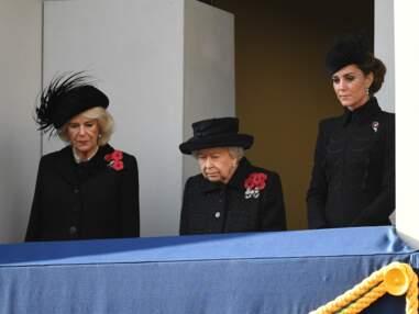 PHOTOS - Kate Middleton et Camilla entourent la reine pour le Jour du souvenir