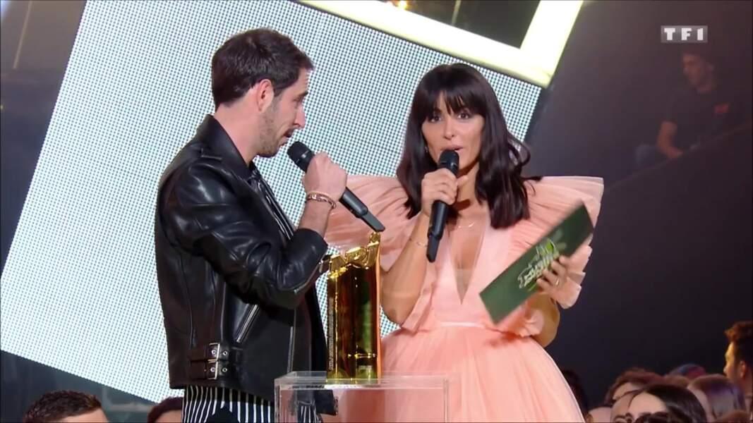 Jenifer et le DJ The Avener sur la scène des NRJ Music Awards
