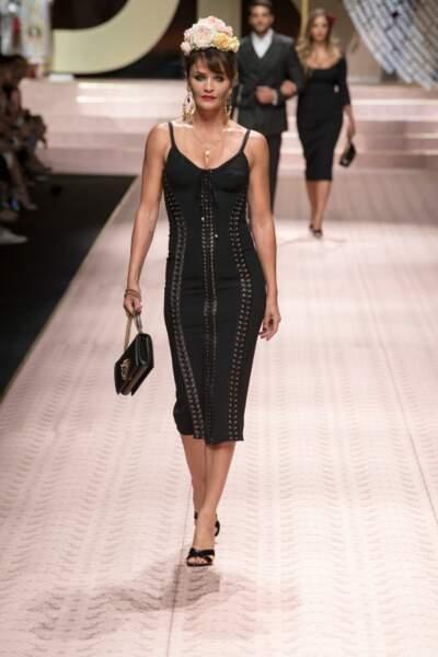 Dolce Gabbana a également mis le padded headband à l'honneur sur son défilé