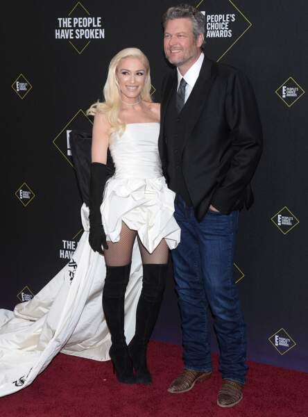 Gwen Stefani sublime dans une robe blanche Vera Wang avec son compagnon Blake Shelton lors des People's Choice Awards 2019