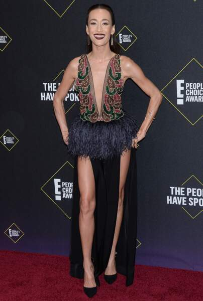 Maggie Q très sexy lors des People's Choice Awards