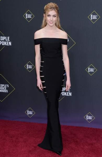 L'actrice Katherine McNamara élégante en noire aux People's Choice Awards 2019