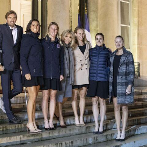 PHOTOS – Les Bleues du tennis reçues par le couple Macron à l'Elysée: la fête (un peu) gâchée par la blessure de Julien Benneteau