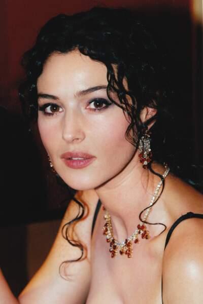 Plus jeune, Monica Bellucci avait le même visage que sa fille. Elles se ressemblent toujours beaucoup.