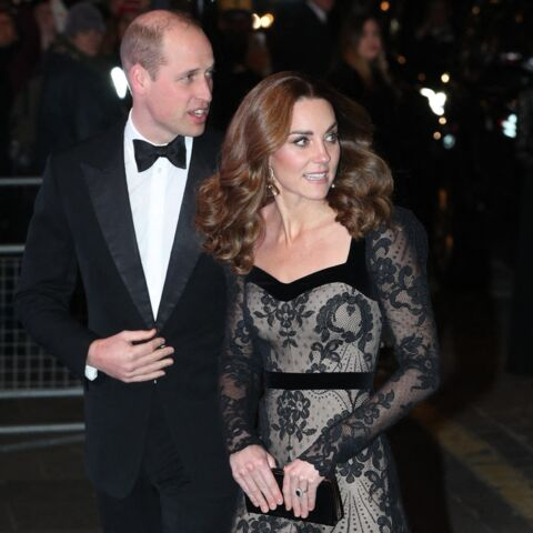 PHOTOS – Kate Middleton sublime en Alexander McQueen pour une soirée de gala avec William