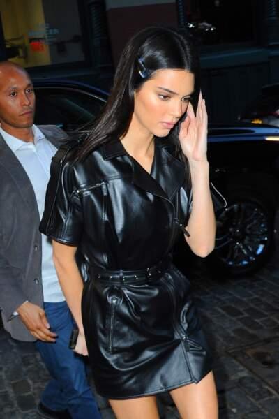 La barrette discrète comme Kendall Jenner
