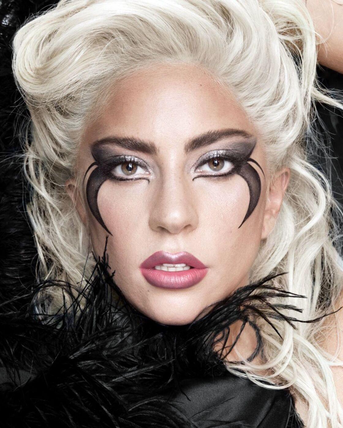 La seconde campagne de Lady Gaga qui pose pour sa gamme de cosmétiques Haus Laboratories. Le 22 juillet 2019.