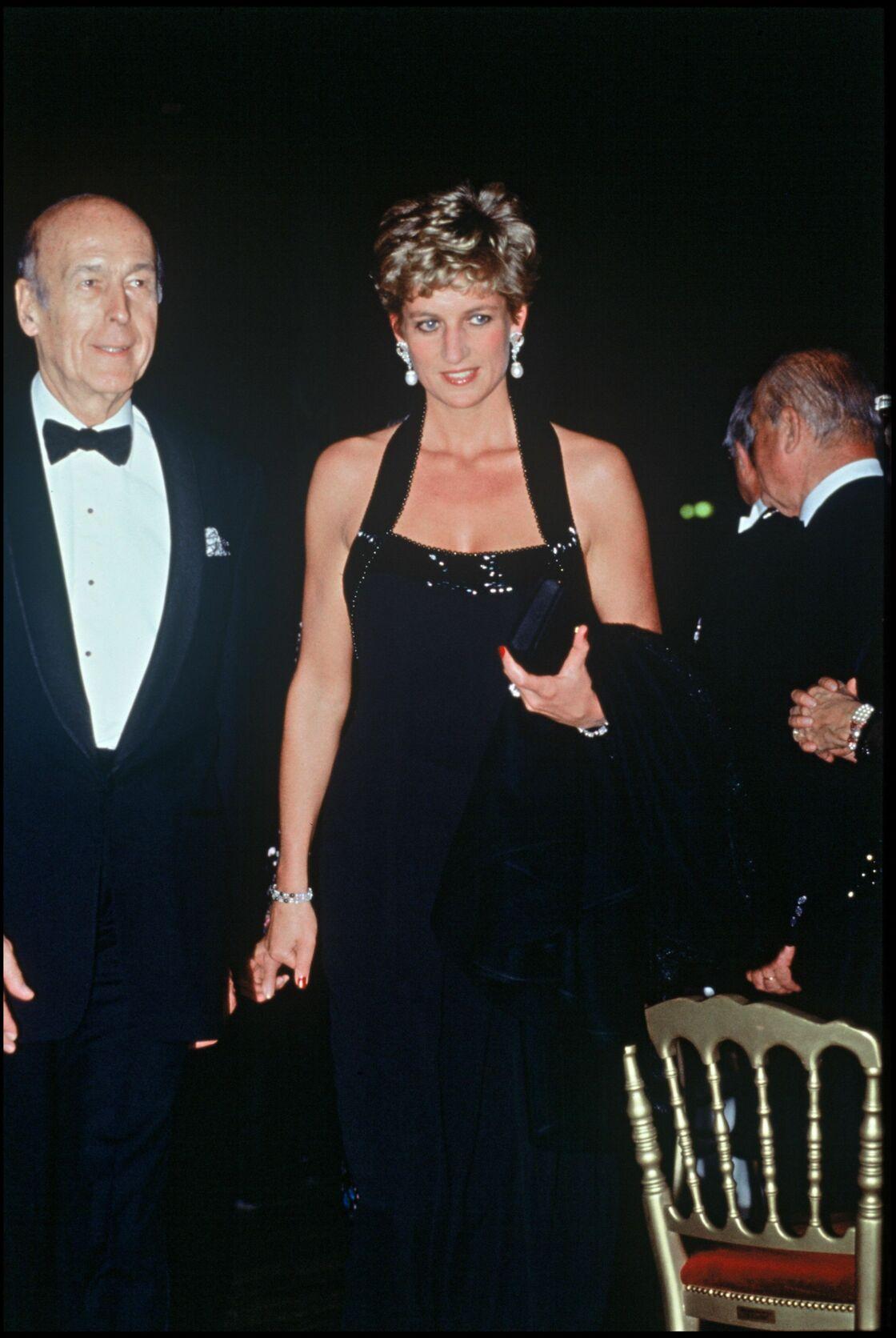 Valéry Giscard d'Estaing et Lady Diana au château de Versailles en 1994