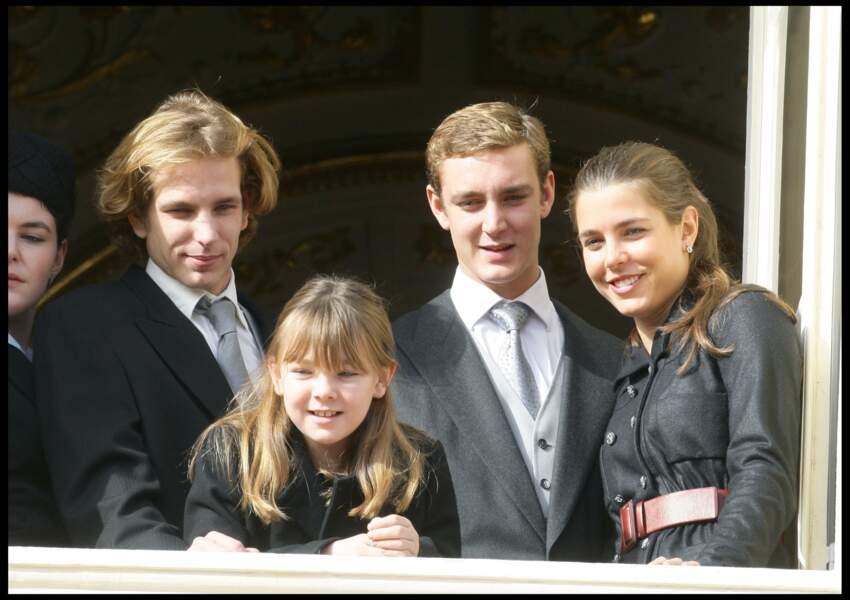 2009 :  Les quatres frères et soeurs sont réunis au balcon du Palais pour la fête Nationale Monégasque.