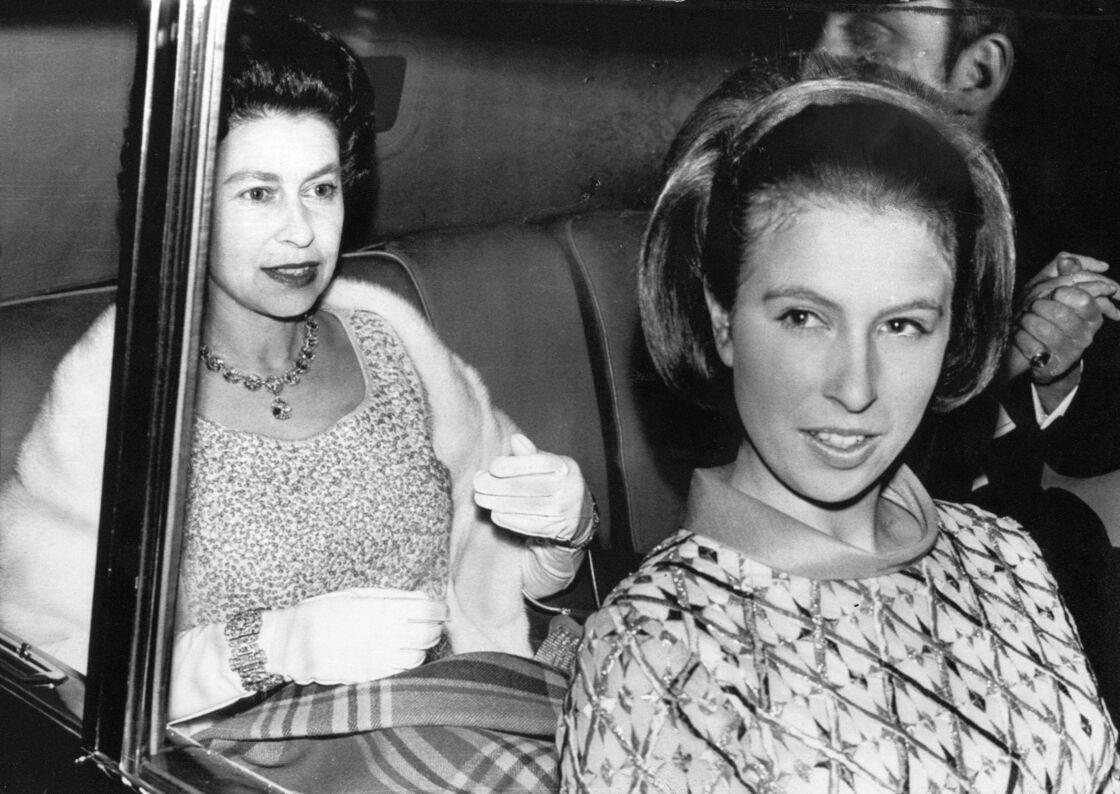 La princesse Anne et la reine Elizabeth II en 1969