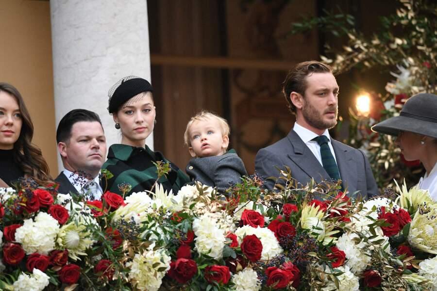 Beatrice Borromeo, Francesco et Pierre Casiraghi, l'air très sérieux lors de la Fête nationale de Monaco ce 19 novembre