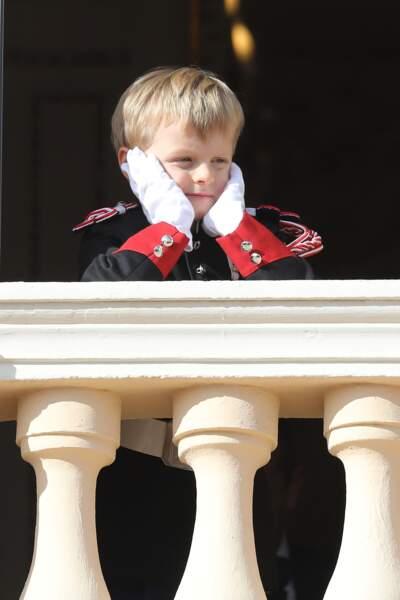 Jacques, le prince héritier de Monaco, l'air penseur en ce 19 novembre