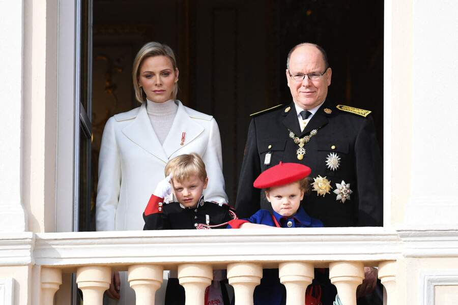 Jacques et Gabriella ont l'air un peu boudeur lors de la Fête nationale, ce 19 novembre