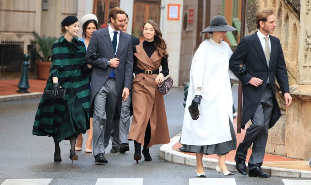 Les enfants de Caroline de Monaco et leurs épouses - à l'exception de Charlotte Casiraghi - arrivant à la cathédrale de Monaco pour la Fête nationale