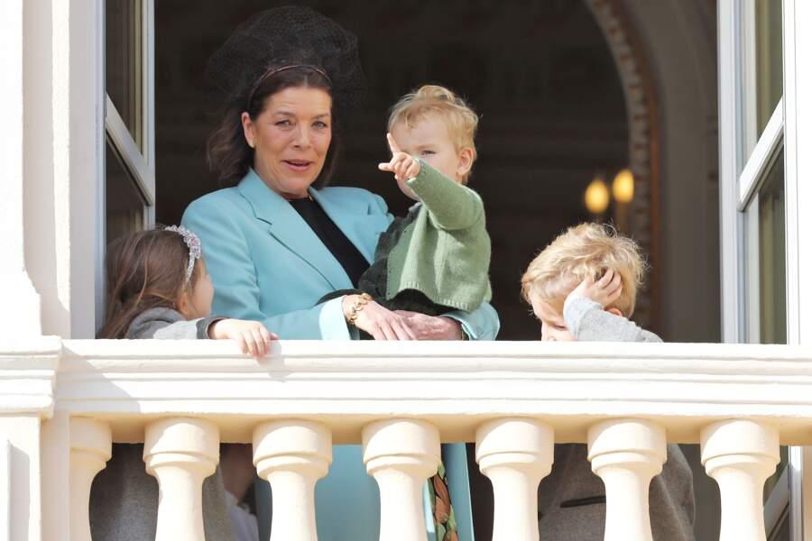 Caroline de Monaco entourée d'une partie de ses petits-enfants, mais il manque Raphaël et Balthazar, les fils de Charlotte Casiraghi
