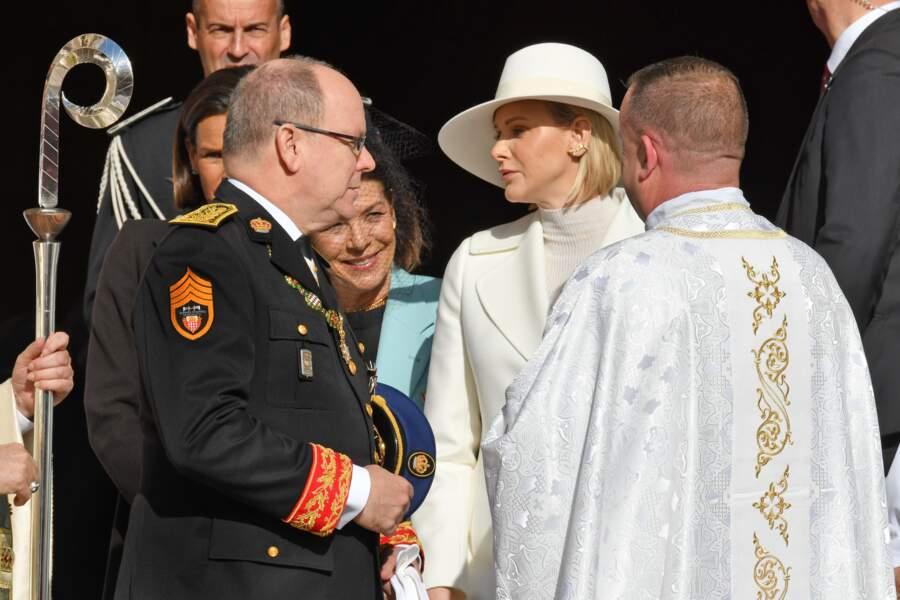Albert de Monaco se retourne tendrement vers sa chère et tendre, Charlene de Monaco