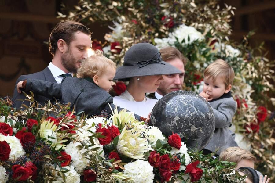 Andrea Casiraghi et Tatiana Santo Domingo avec leur petit Maximilian et aux côtés de Pierre Casiraghi et Francesco
