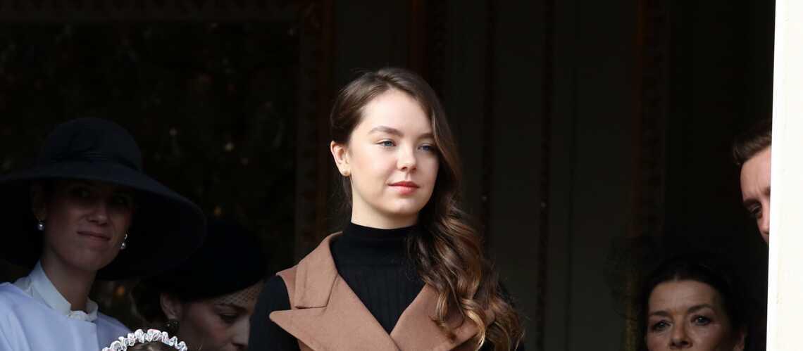 PHOTOS – Alexandra de Hanovre, très classe, prend la relève de sa sœur Charlotte Casiraghi
