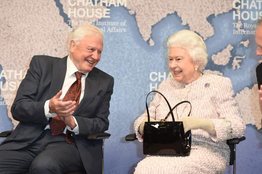 Sa Majesté Elizabeth II a été ravie de retrouver son ami, l'explorateur David Attenborough