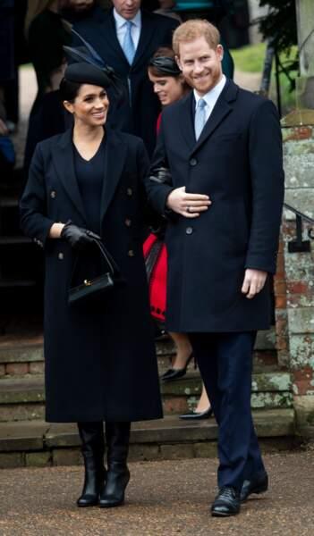 Meghan Markle enceinte du petit Archie, avait opté pour un look très sobre pour Noël 2018 dont cette paire de bottes hautes.