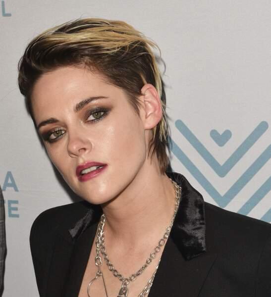 L'américaine Kristen Stewart a elle pris le parti de passer au court. Parfait pour faire oublier ses cheveux fins