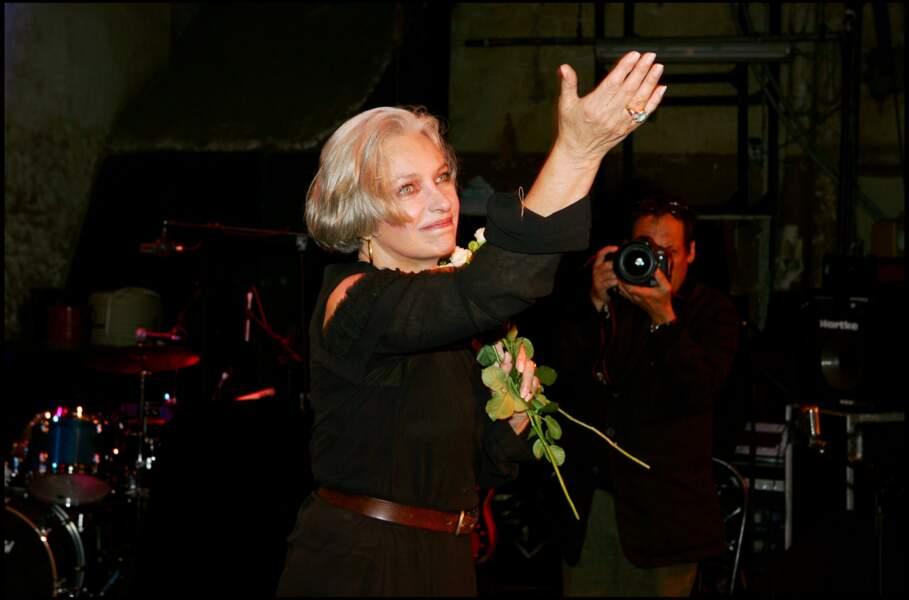 """La chanteuse et actrice Marie Laforet  est décédée à l'âge de 80 ans, le 2 novembre en Suisse où elle était installée. Elle était surnommée """"la fille aux yeux d'or"""", d'après le film de Jean-Gabriel Albicocco."""