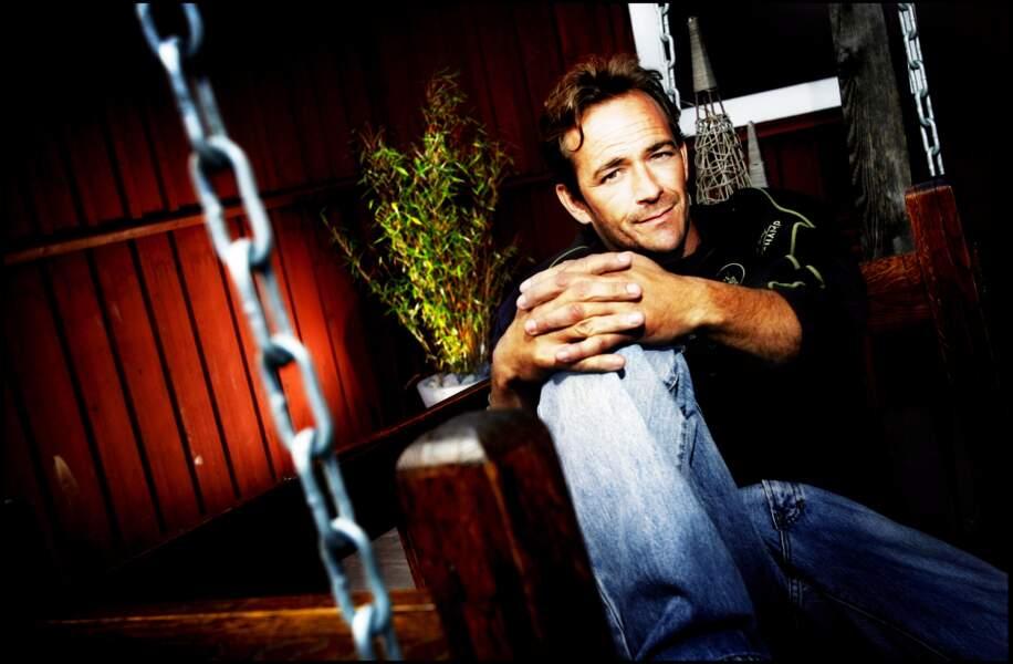 Luke Perry, connu notamment pour avoir incarné Dylan dans la série Beverly Hills est mort le 4 mars à seulement 52 ans.