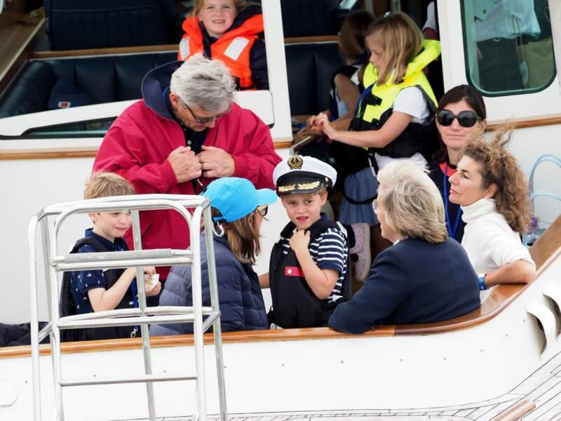 Très remarquée ce 8 août, la casquette arborée par le prince George... un emprunt à son grand-père Michael Middleton !