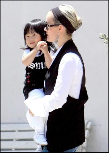 Jade est habillée en mini Laeticia à Beverly Hills.