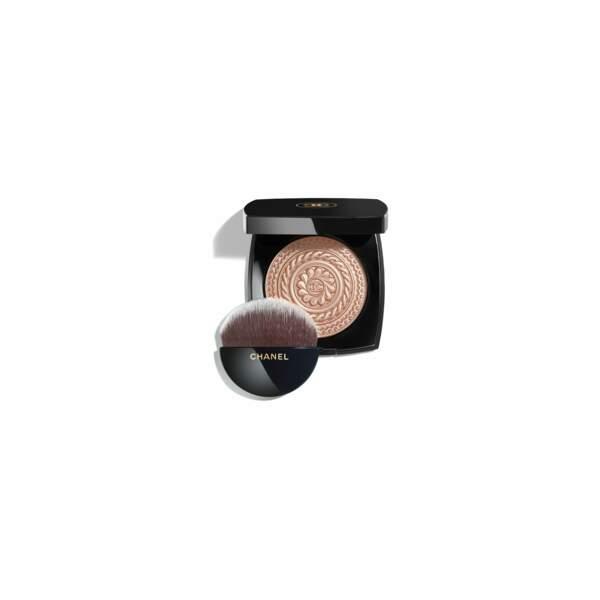 """Poudre illuminatrice Chanel """"Metal Peach"""", 60€"""