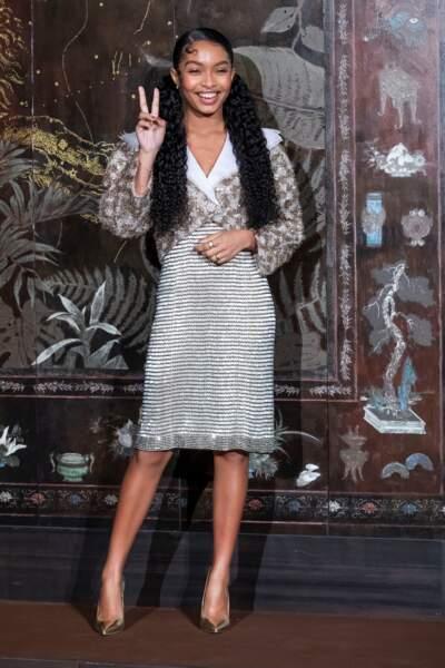 Yara Shahidi lors du photocall du défilé Chanel Métiers d'Art 2019 / 2020 au Grand Palais à Paris le 4 décembre 2019.