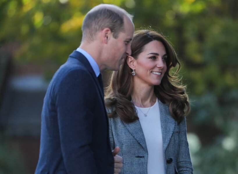 Kate Middleton en veste de blazer et le prince William le 12 novembre.