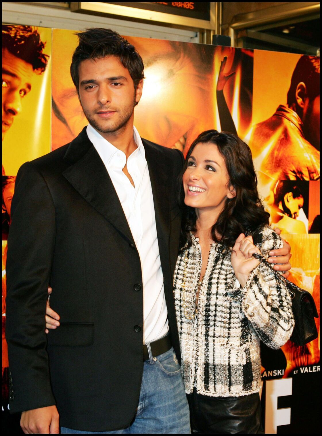 Jenifer, dévorant des yeux son amoureux, Maxim Nucci en 2004. Leur fils Aaron était alors âgé de 10 mois