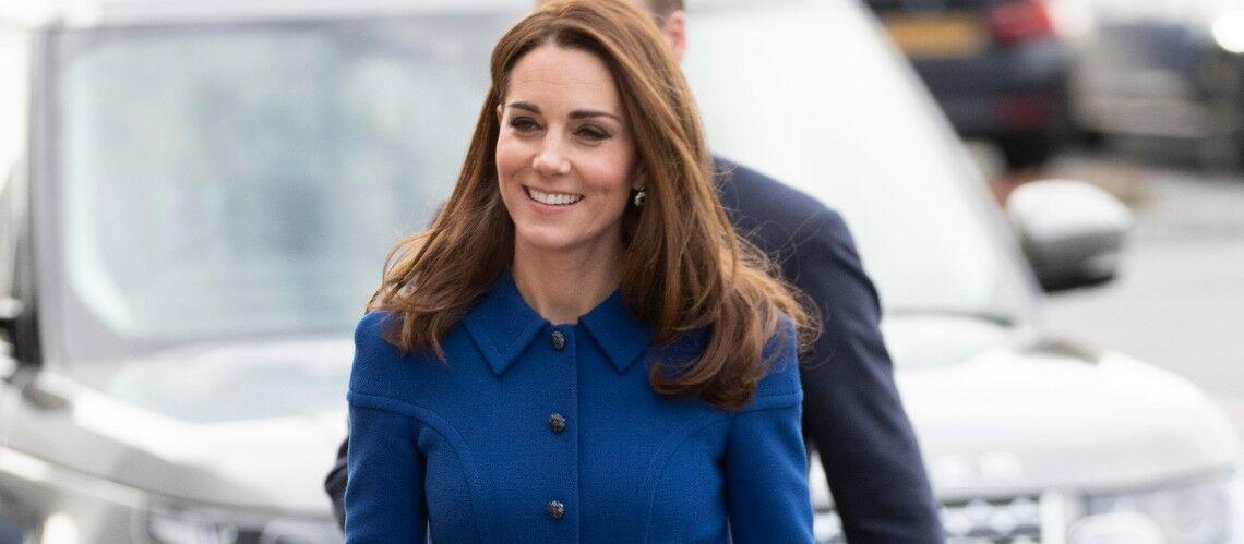 PHOTOS – Couleur Pantone 2020 : adoptez les tenues bleues comme Meghan Markle et Kate Middleton
