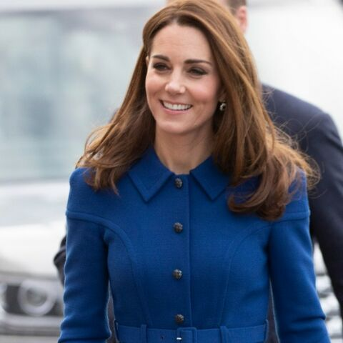 PHOTOS – Couleur Pantone 2020: adoptez les tenues bleues comme Meghan Markle et Kate Middleton
