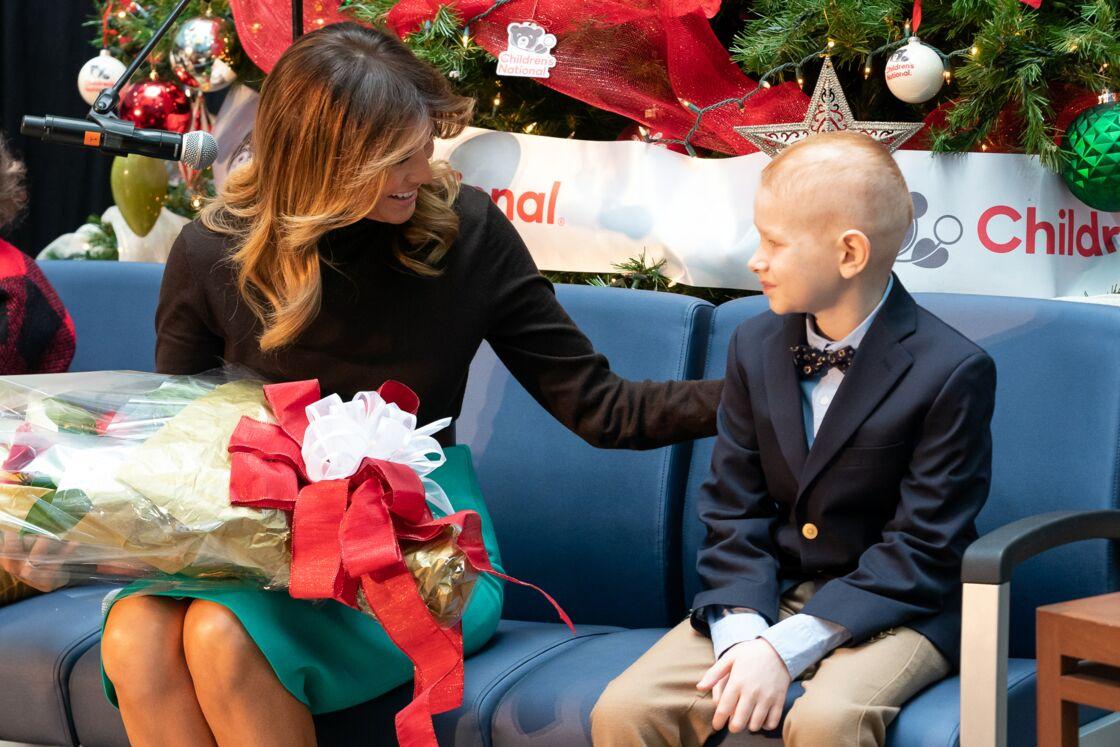 La Première Dame Melania Trump lors d'une visite de Noël à l'Hôpital national pour enfants de Washington D.C., le 6 décembre 2019.