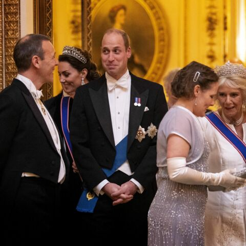 PHOTOS – Kate Middleton et Camilla Parker Bowles: concours de diadèmes à Buckingham Palace!