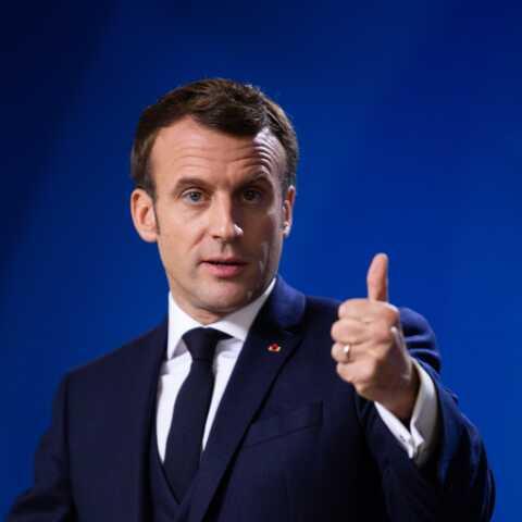 Emmanuel Macron: décrocher son portrait peut coûter cher, la preuve