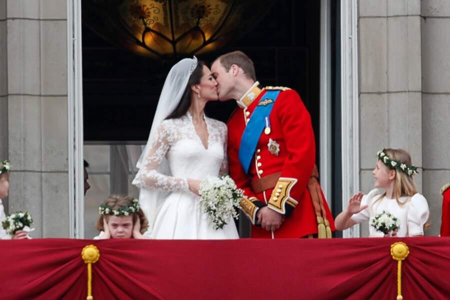 Le prince William et Kate Middleton se mariaient le 29 avril 2011. Mais l'une des photographies les plus importantes de leur mariage a été gâchée par un enfant.