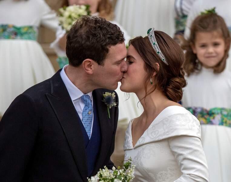 La princesse Eugenie d'York s'unissait à Jack Brooksbank le 12 octobre 2018. Mais les amoureux ont été obligé de changer de date, à cause de Harry et Meghan Markle.