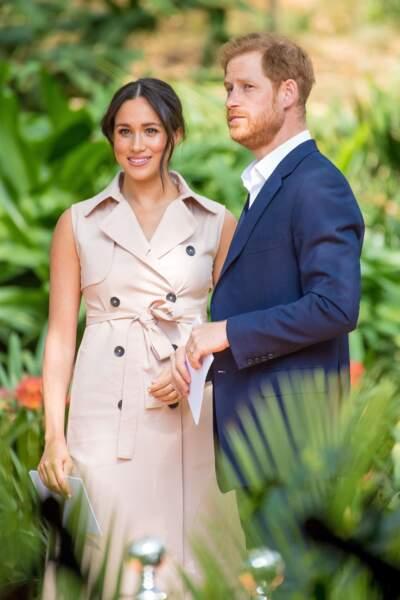 Alors que cette escapade devait rester secrète, les vacances en famille de Meghan Markle et du prince Harry n'ont pas fait l'unanimité. Le mercredi 14 août, les Sussex sont allés à Ibiza, un lieu réputé pour ses fêtes et le luxe qu'on y trouve. Une image peu reluisante pour des membres de la famille royale.