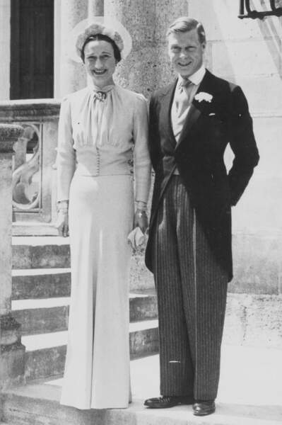 C'est le 3 juin 1937 qu'Edward VIII et Wallis Simpson se sont mariés. Une union célébrée avec les moyens du bord...
